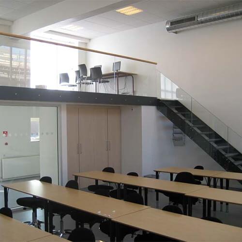 glas til Silkeborg Handelsskole
