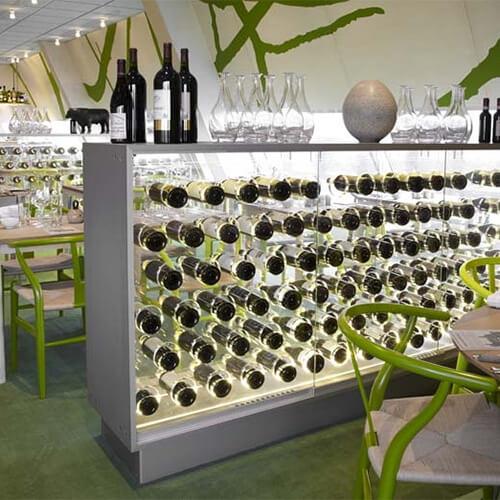 Vinskab i glas og akryl